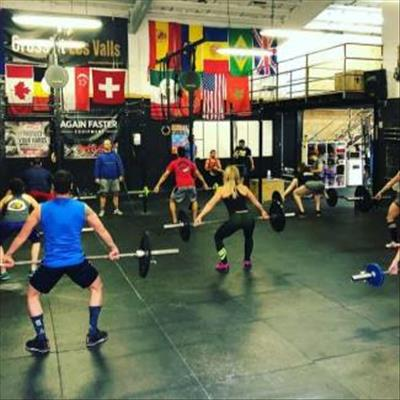 Prova nostres classes d'halterofília! OLYMPIC wod